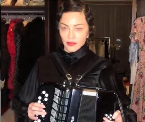 Madonna tease son nouvel album