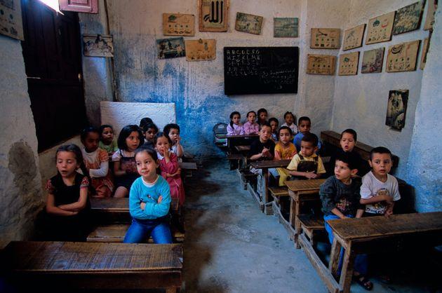 Les militants de l'arabisation de l'enseignement déposent une pétition auprès du chef du