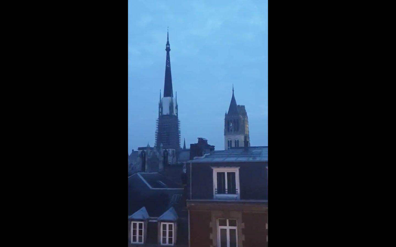 Partout en France, les cloches des églises ont sonné en hommage à