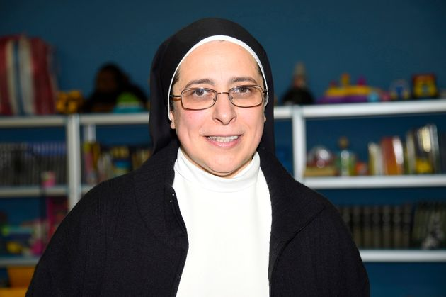 El controvertido tuit de Sor Lucía mientras ardía Notre Dame que le está costando numerosas