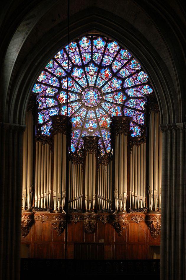 Uno de los rosetones de Notre