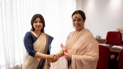 Poonam Sinha Joins Samajwadi Party, Likely To Contest Against Rajnath Singh In