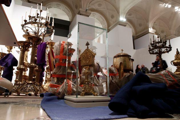 Alguns tesouros foram salvos durante incêndio na Notre