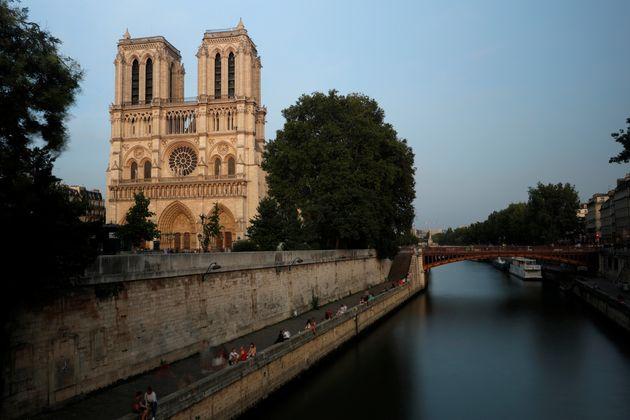 Παναγία των Παρισίων: Ετσι ήταν ο εμβληματικός ναός πριν την