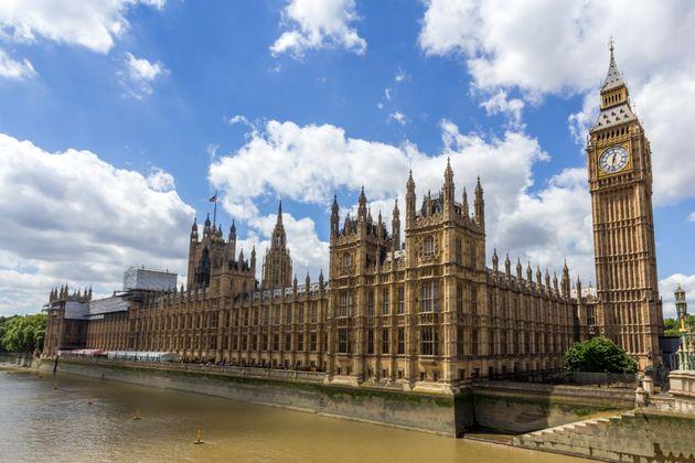 Βρετανία: Οι βουλευτές φοβούνται για καταστροφή του κοινοβουλίου από