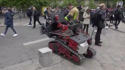 Ce robot a aidé les pompiers à éteindre l'incendie de