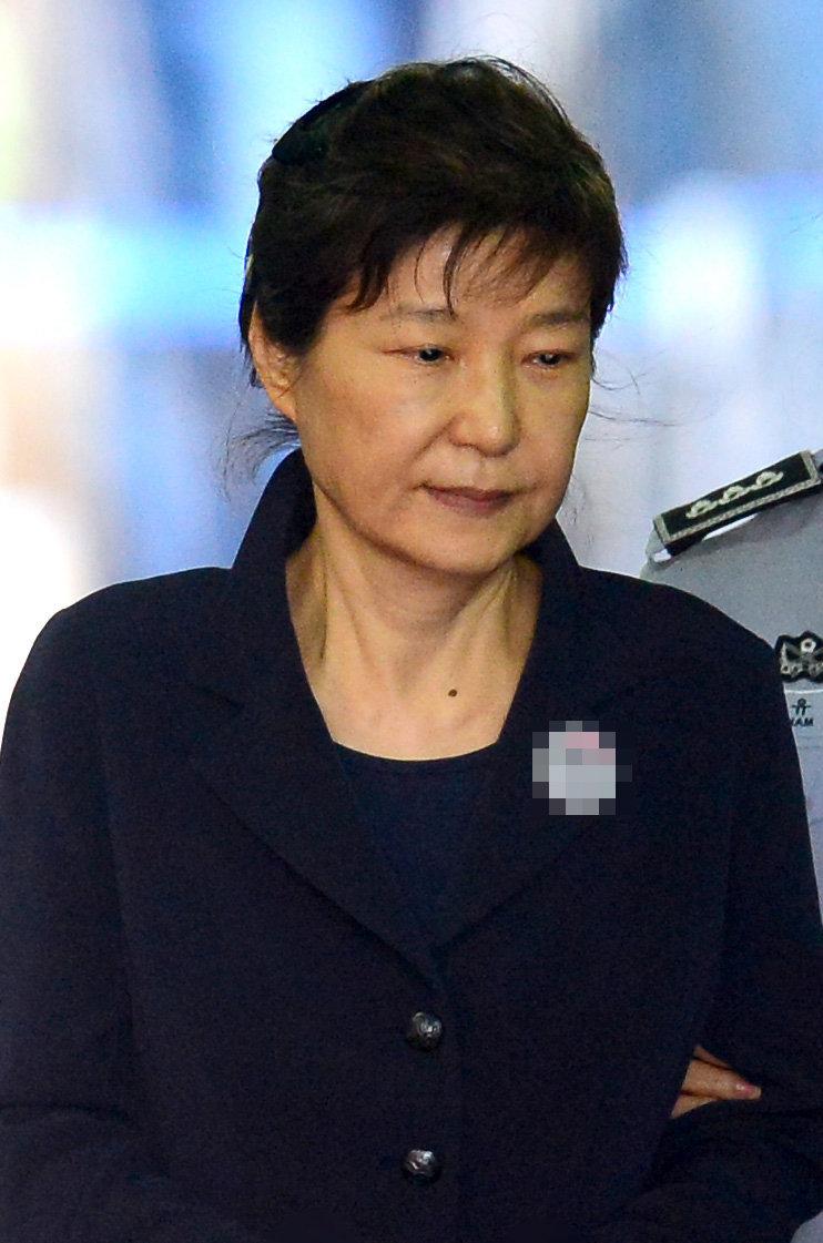 박근혜 전 대통령의 신분이 '미결수'에서 '기결수'로