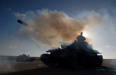 Λιβύη: Ρουκέτες στην Τρίπολη - Τουλάχιστον δύο