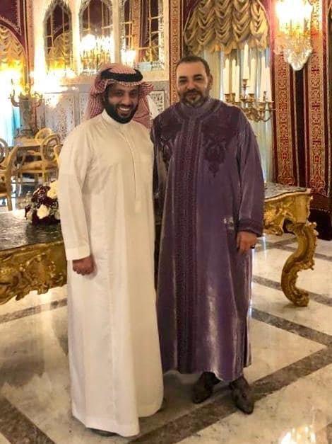 En visite au Maroc, Turki Al Sheikh fait un beau geste pour le roi Mohammed