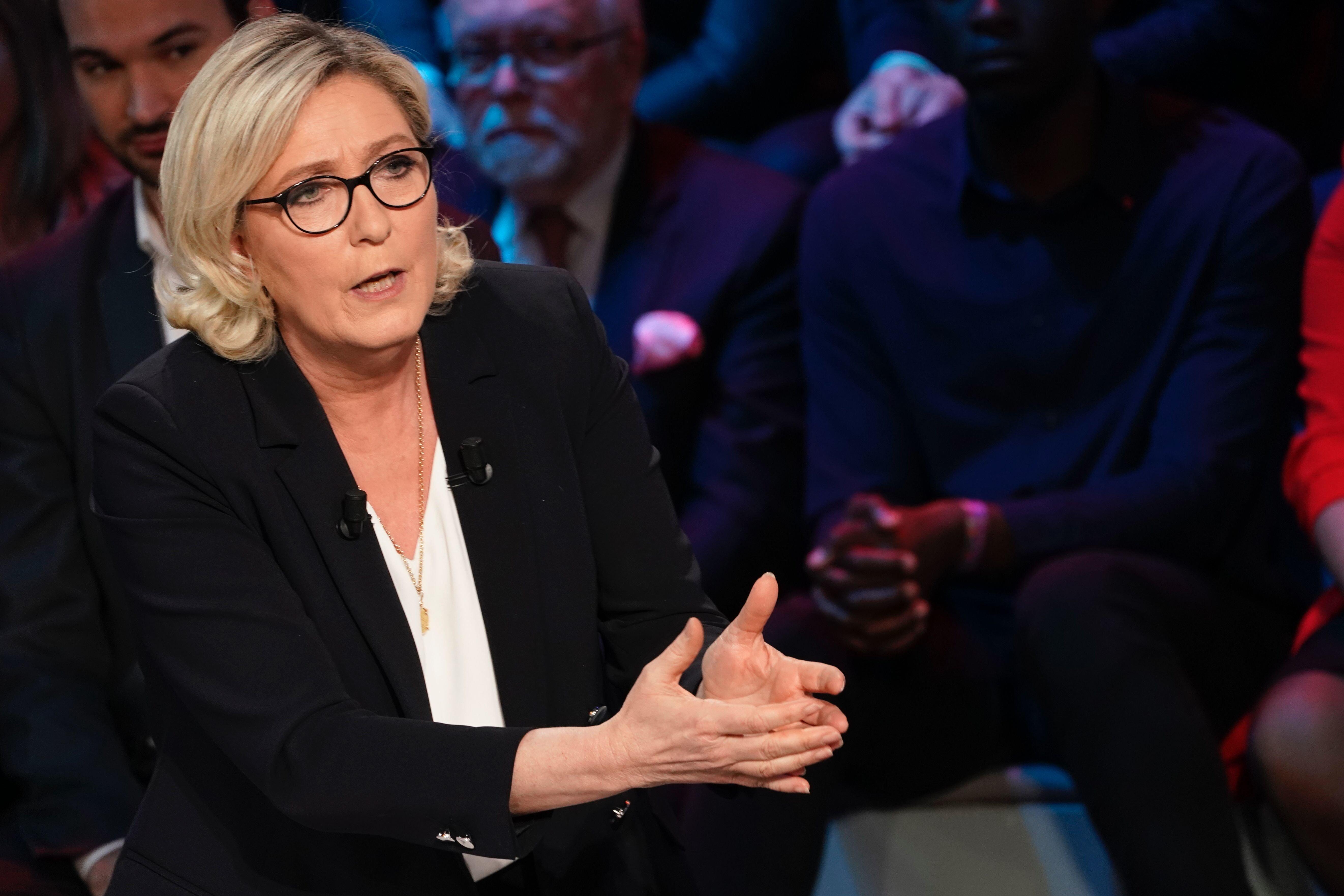 Marine Le Pen devant les juges dans l'affaire des emplois fictifs au Parlement