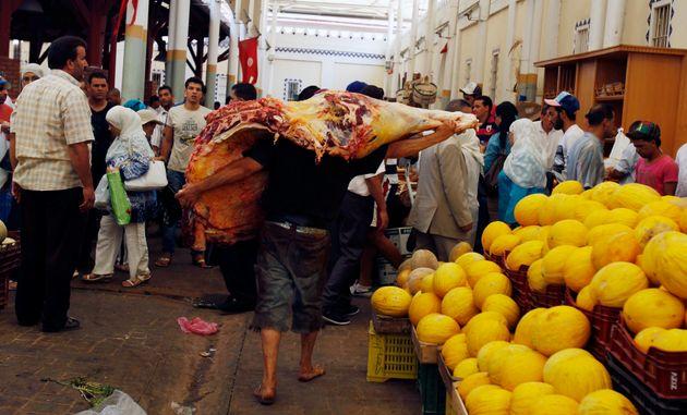 Depuis 2015, le marché de gros de Bir El Kassaa sans médecin vétérinaire pour contrôler la qualité de...