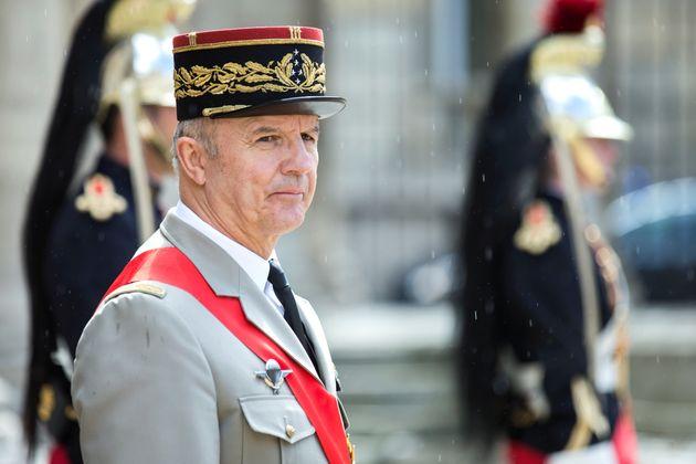 Le général Georgelin, ici en 2016 quand il était encore Grand chancelier de la légion...