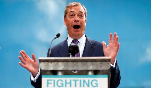 Le Parti du Brexit, mené par l'eurosceptique Nigel Farage, est donné favori pour...
