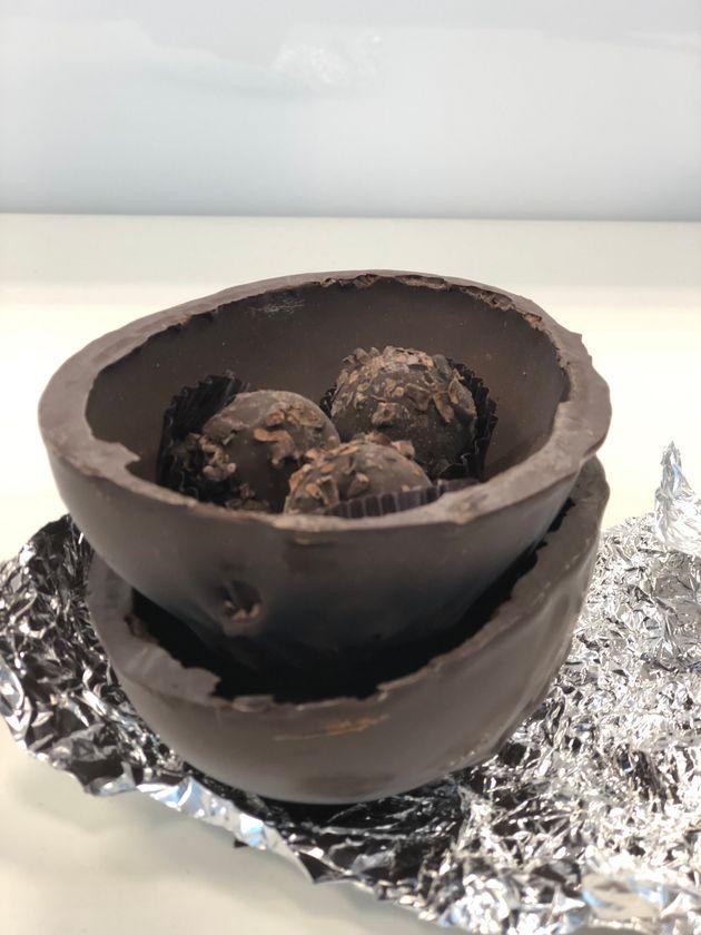 Trufas de chocolate acompanham ovo