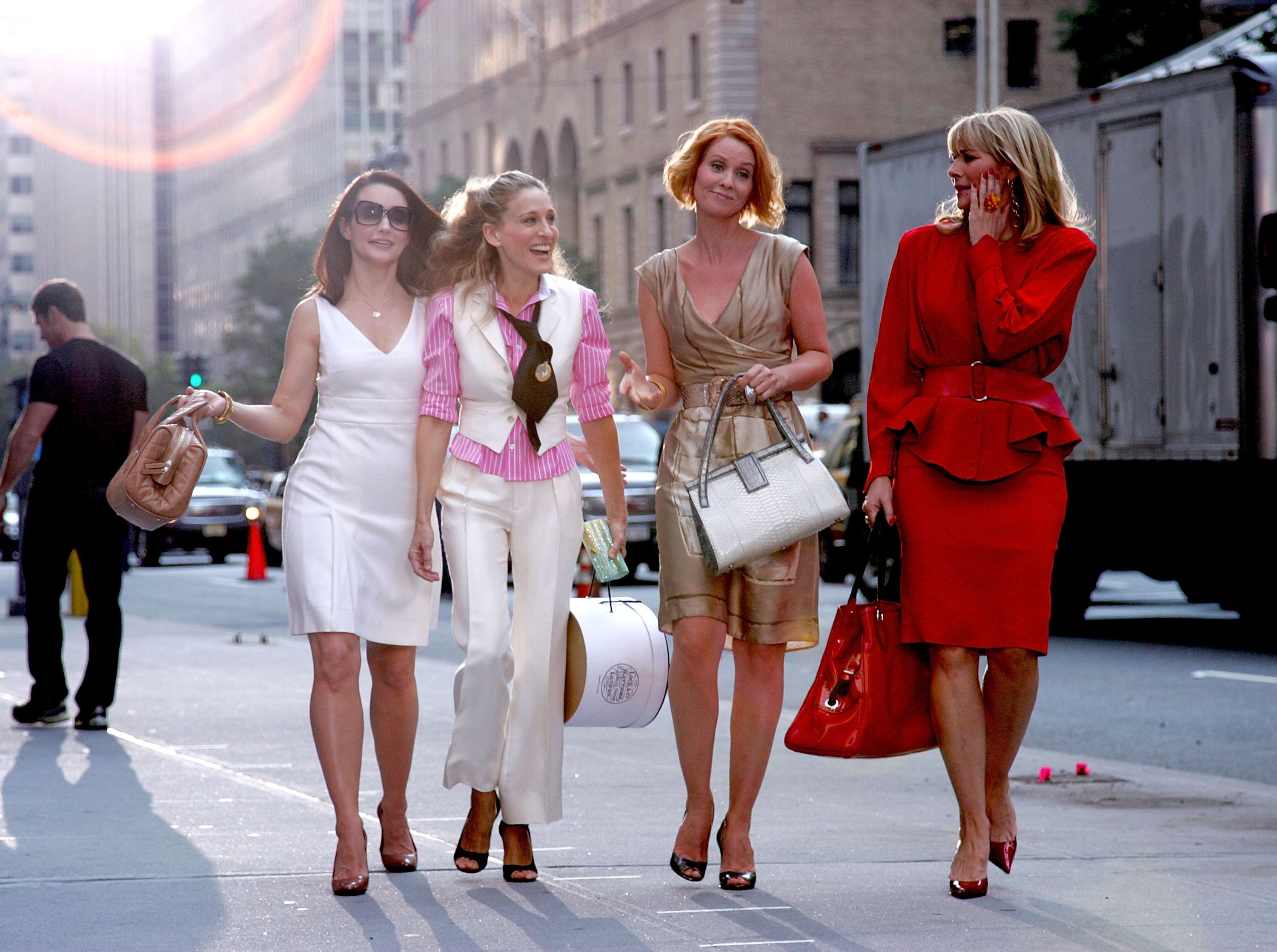 NEW YORK - SEPTEMBER 21:  Actresses Kristin Davis, Sarah Jessica Parker, Cynthia Nixon and Kim Cattrall on the set of 'Sex In The City: The Movie' in New York City on September 21, 2007.  (Photo by James Devaney/WireImage)
