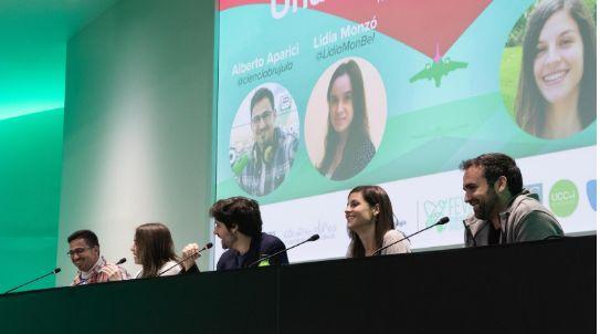 Mesa redonda entre los divulgadores Alberto Aparici, Lidia Monzó, Ignacio Crespo, Alessandra Campo...