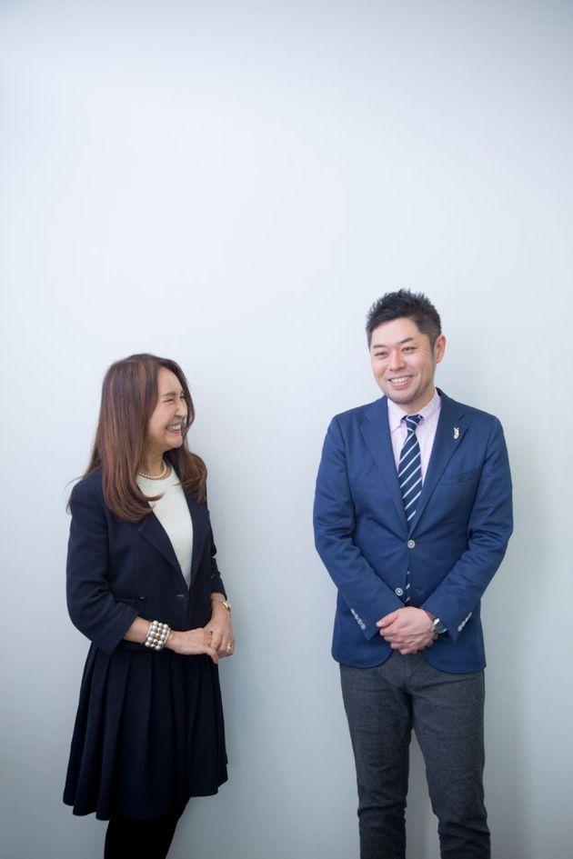 ディスカヴァー・トゥエンティワン取締役社長・干場弓子さん(左)ハフポスト日本版編集長・竹下隆一郎(右)