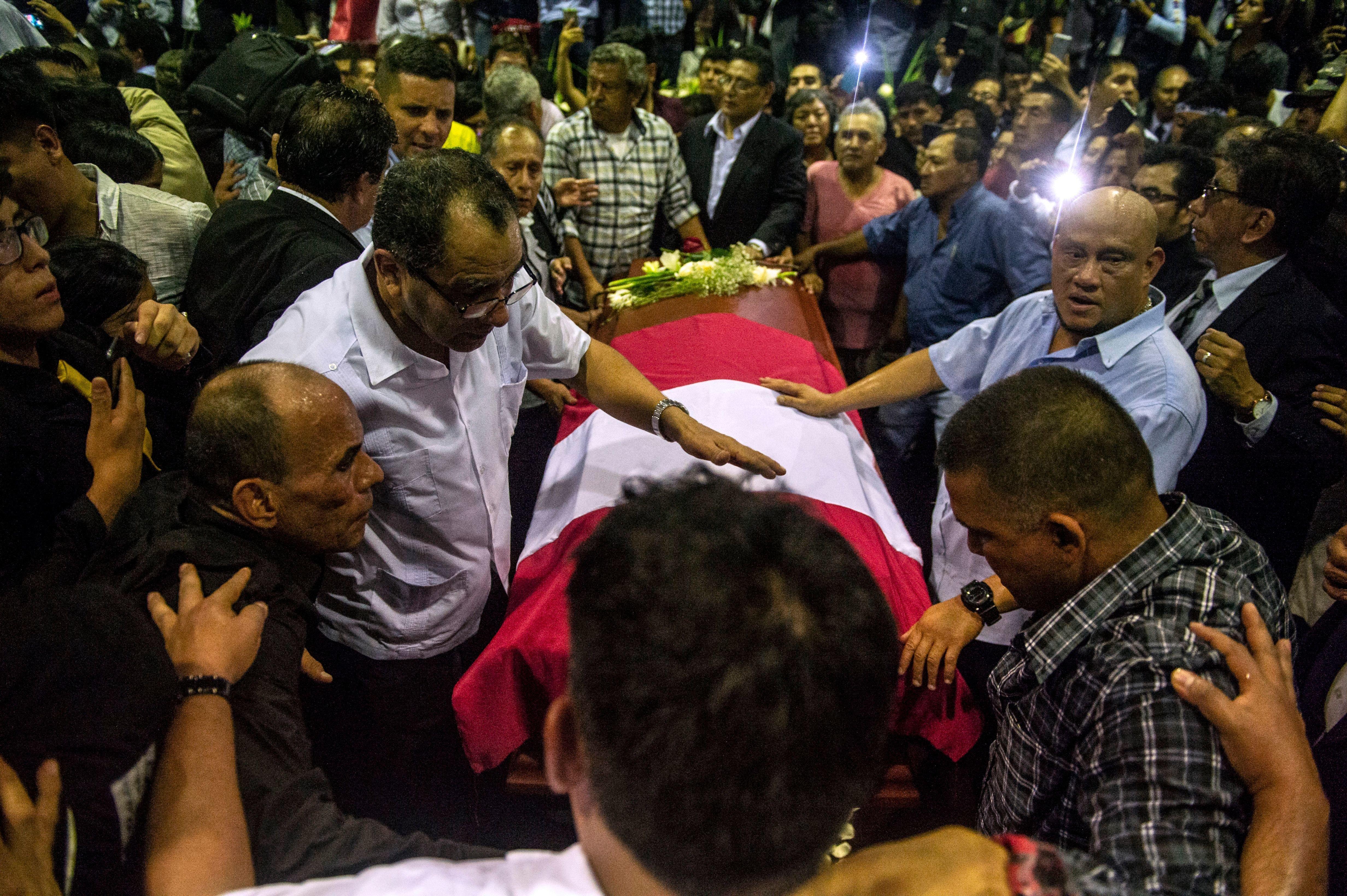 L'ex-président du Pérou se suicide juste avant son