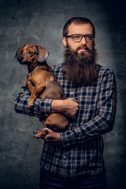 수염을 기른 남성은 개보다 세균이