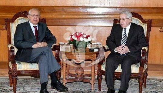 "Abdelkader Ziari reçu par Abdelkader Bensalah: ""Il est urgent de sortir de la constitution"