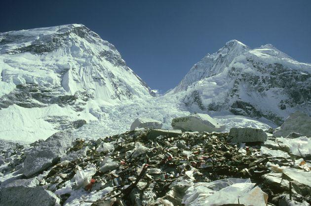 Νεπάλ: Ξεκινάει εκστρατεία καθαρισμού του Εβερεστ από 10 εκατομμύρια τόννους