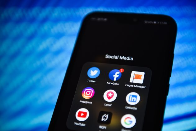 Βρετανία: Το Facebook απαγόρευσε ακροδεξιές ομάδες και