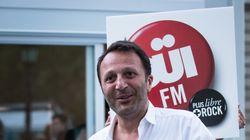 Arthur va vendre Oüi FM au groupe de Latina et