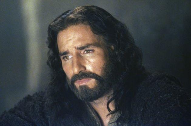 James Caviezel como Jesus de Nazaré no filme A Paixão de
