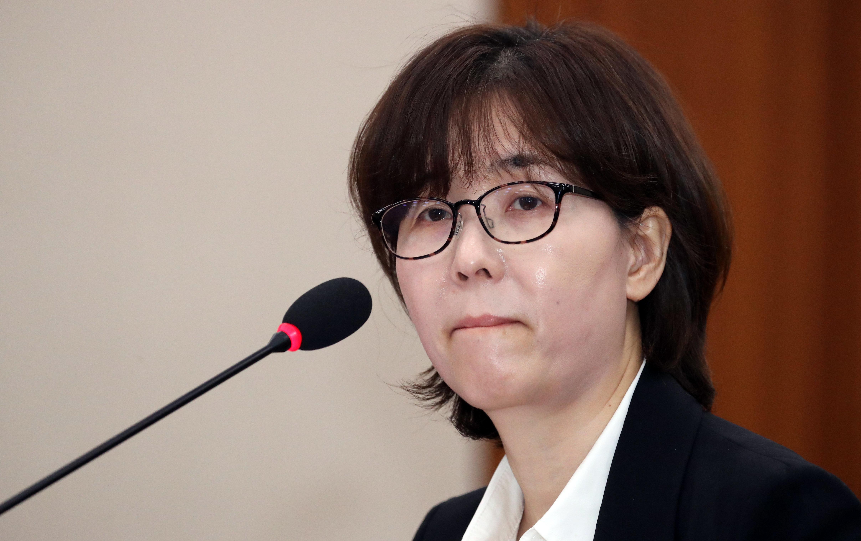 문대통령이 이미선·문형배 헌법재판관의 임명을