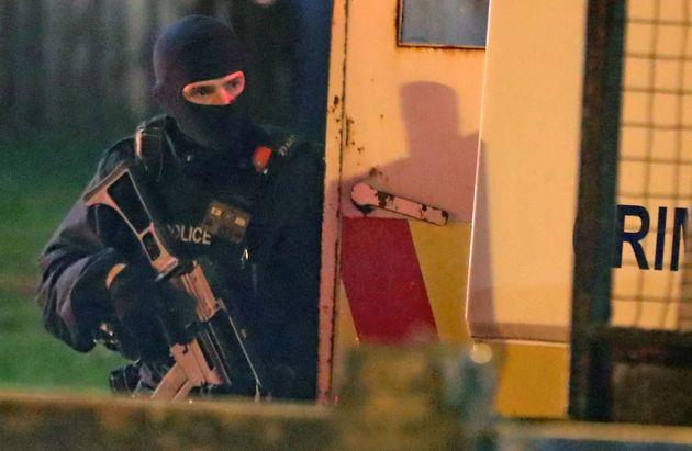 Δημοσιογράφος νεκρή κατά τη διάρκεια ταραχών στη Βόρεια Ιρλανδία εν όψει της Εξέγερσης του