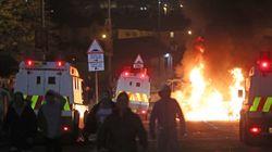 Μια νεκρή κατά τη διάρκεια ταραχών στη Βόρεια Ιρλανδία εν όψει της Εξέγερσης του