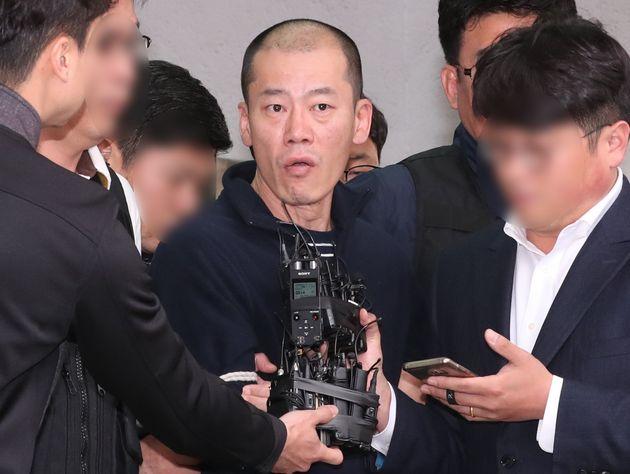 진주 아파트 방화·살인 사건 피의자 안인득이 얼굴을
