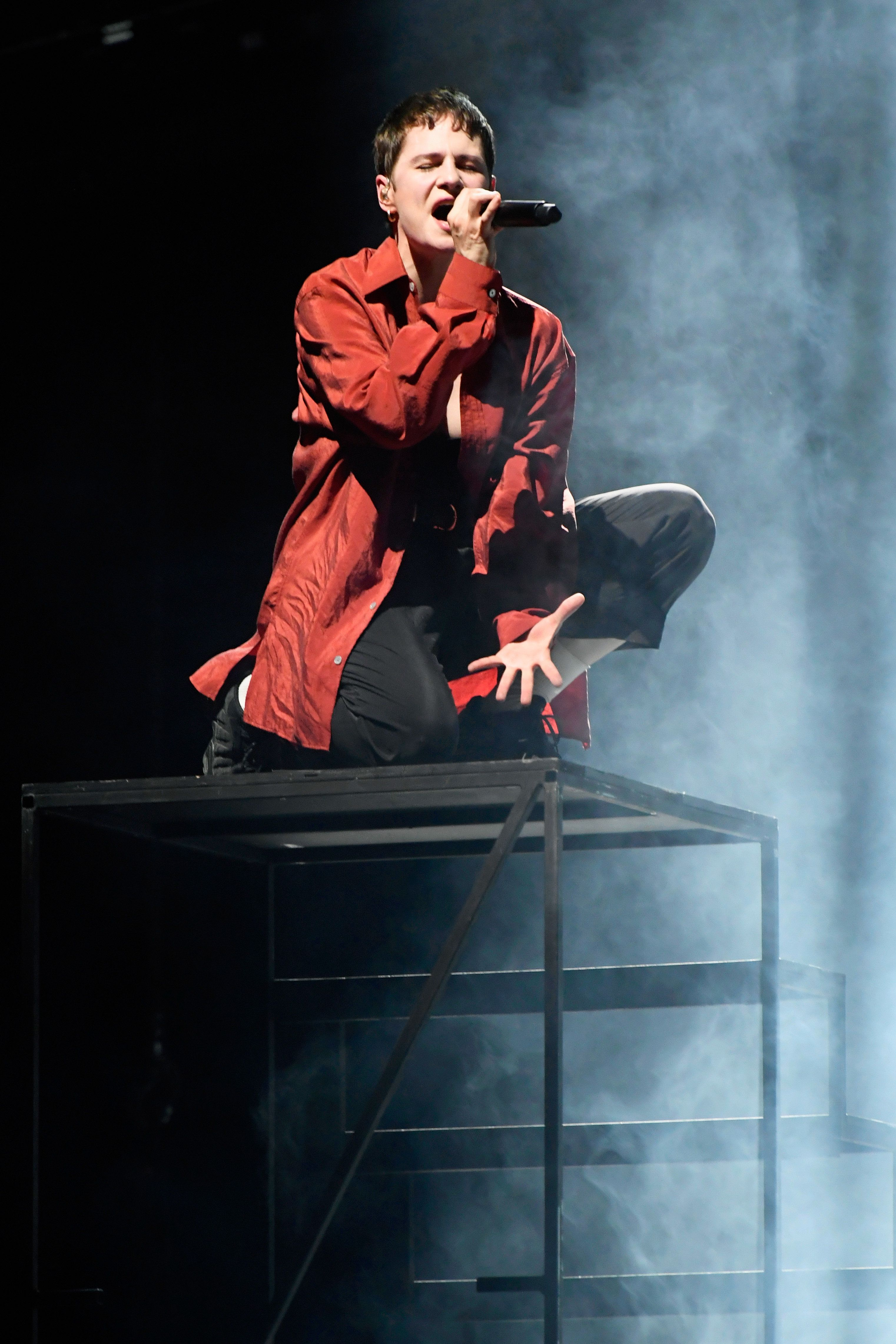 En deuil, Christine and The Queens renonce à