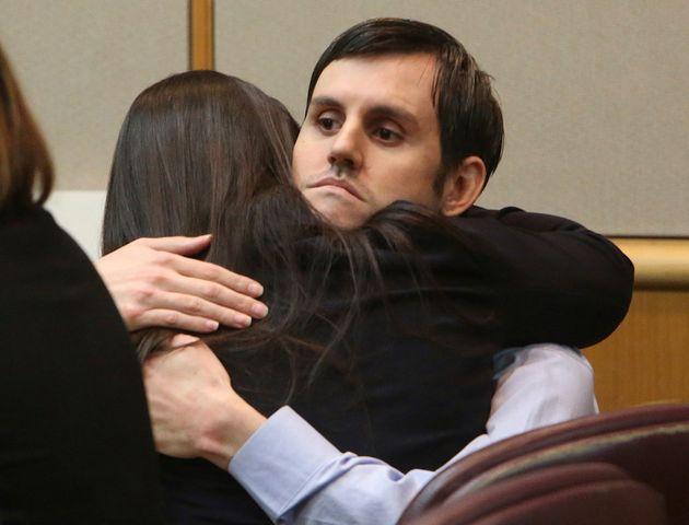 ΗΠΑ: Πέταξε την 5χρονη κόρη του από γέφυρα επειδή πίστευε ότι ήταν