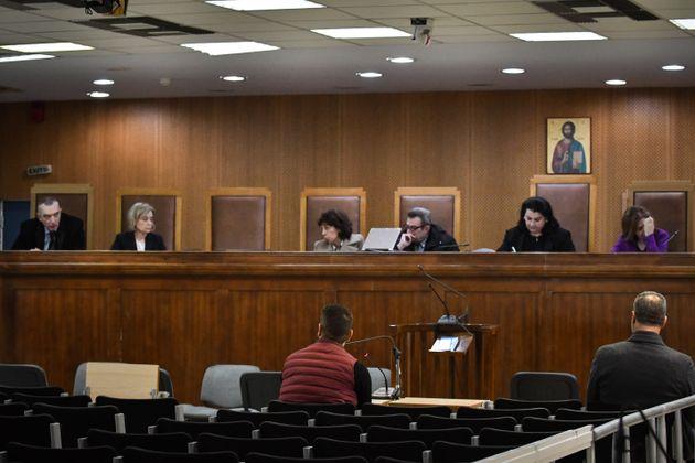 ΝΔ: Πρωτοφανής καθυστέρηση στη δίκη της Χρυσής Αυγής - Ευθύνη του