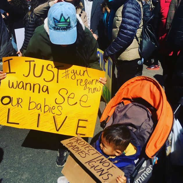 Katherine et son fils lors d'une marche contre la violence armée à New York en