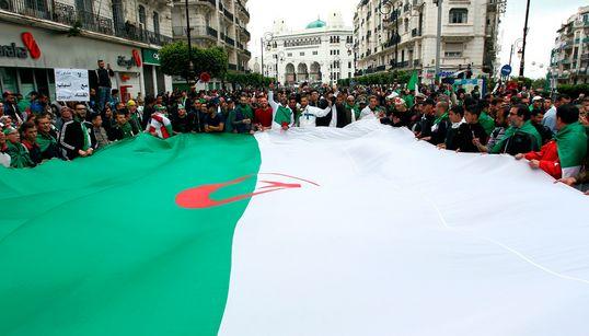 Direct - Les Algériens marchent un 9e