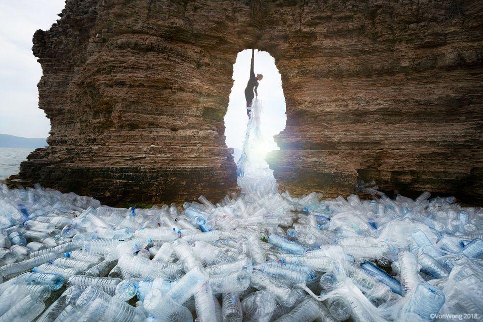 """Von Wong's """"Truckloads of Plastic"""" installation."""
