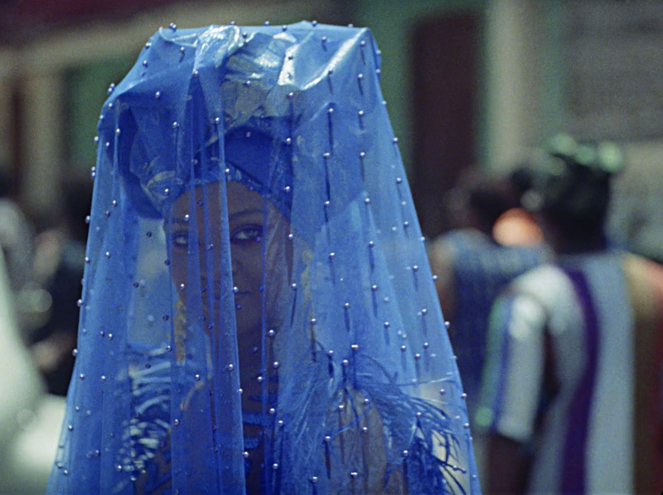 """Le """"thriller tropical"""" de Donald Glover plaira aux fans de la série Atlanta. Peut être moins à ceux de Rihanna."""