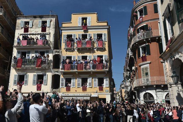 """Οι ταξιδιώτες της """"τελευταίας στιγμής"""" θα σώσουν την τουριστική κίνηση του"""