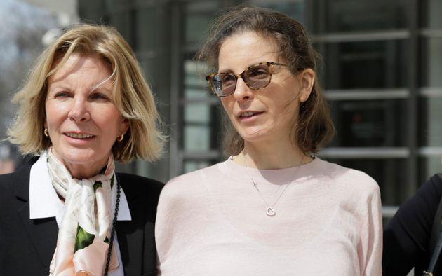 Nxivm: Η αίρεση του σεξ που χρηματοδοτούσε πασίγνωστη