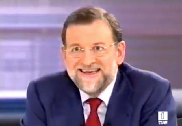 Un tuitero triunfa al recordar este cómico momento de Rajoy en el debate de