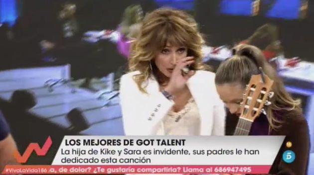 Emma García no puede contener las lágrimas en 'Viva La