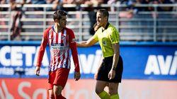 Morata se encara con el árbitro por darle una