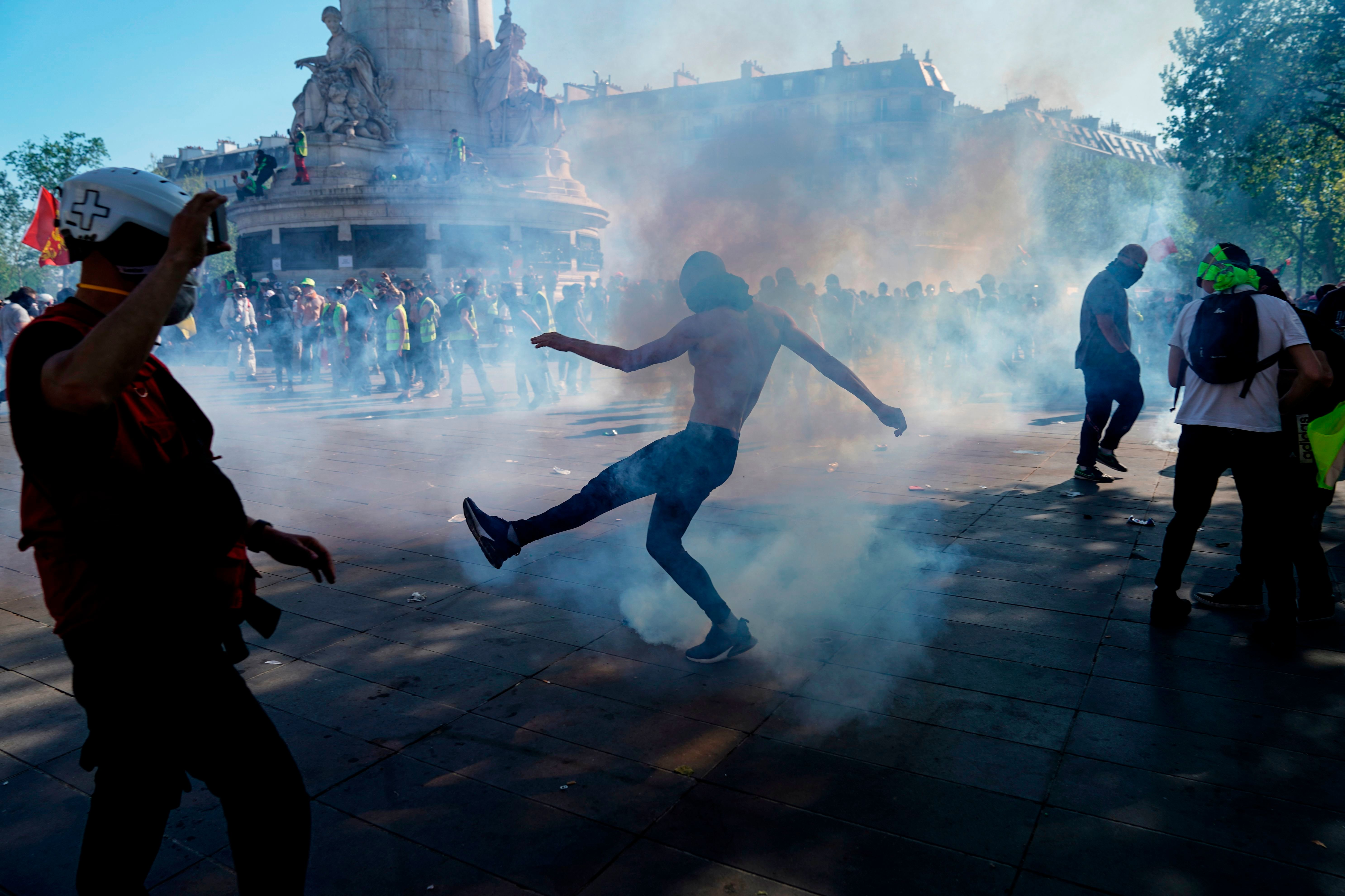 Mobilisation en baisse en France pour l'acte XXIII, mais en hausse à Paris avec un regain de