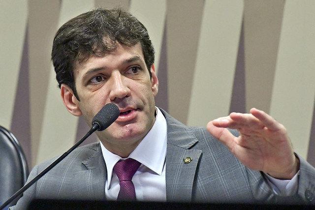 Acusado de ameaçar deputada de morte, Marcelo Álvaro Antônio recebeu 83 parlamentares...