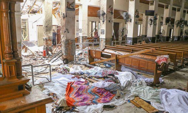スリランカ、複数の場所で爆発 138人が死亡、負傷者500人以上(写真)