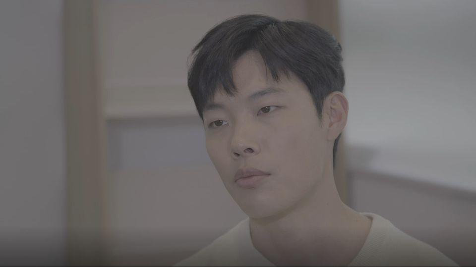 [허프 인터뷰] 배우 류준열이 텀블러를 들고 다니는 그리 거창하지 않은