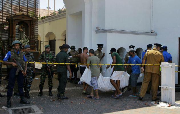 Τραγωδία στη Σρι Λάνκα: Εκατοντάδες νεκροί και τραυματίες μετά τις εκρήξεις σε εκκλησίες και