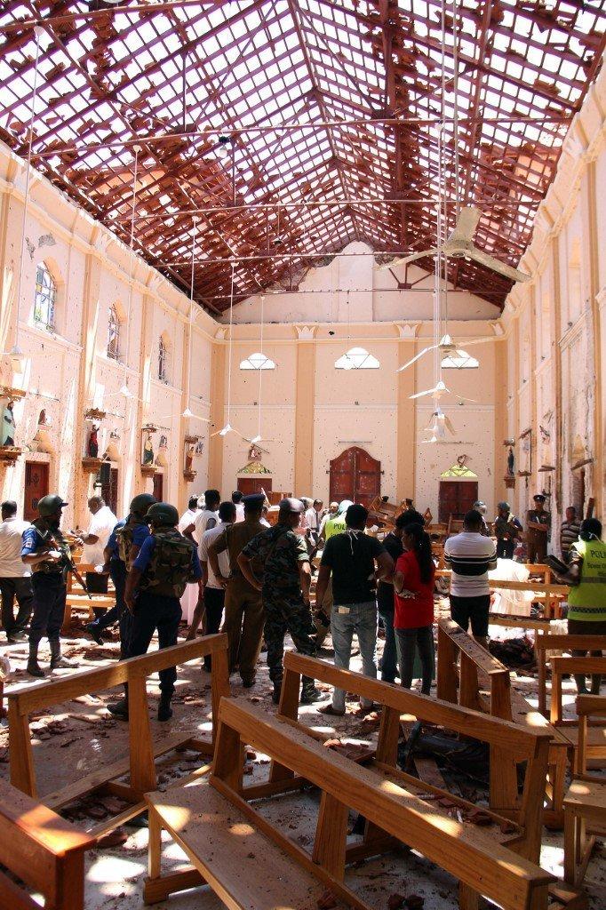 Les images du chaos semé par les explosions au Sri